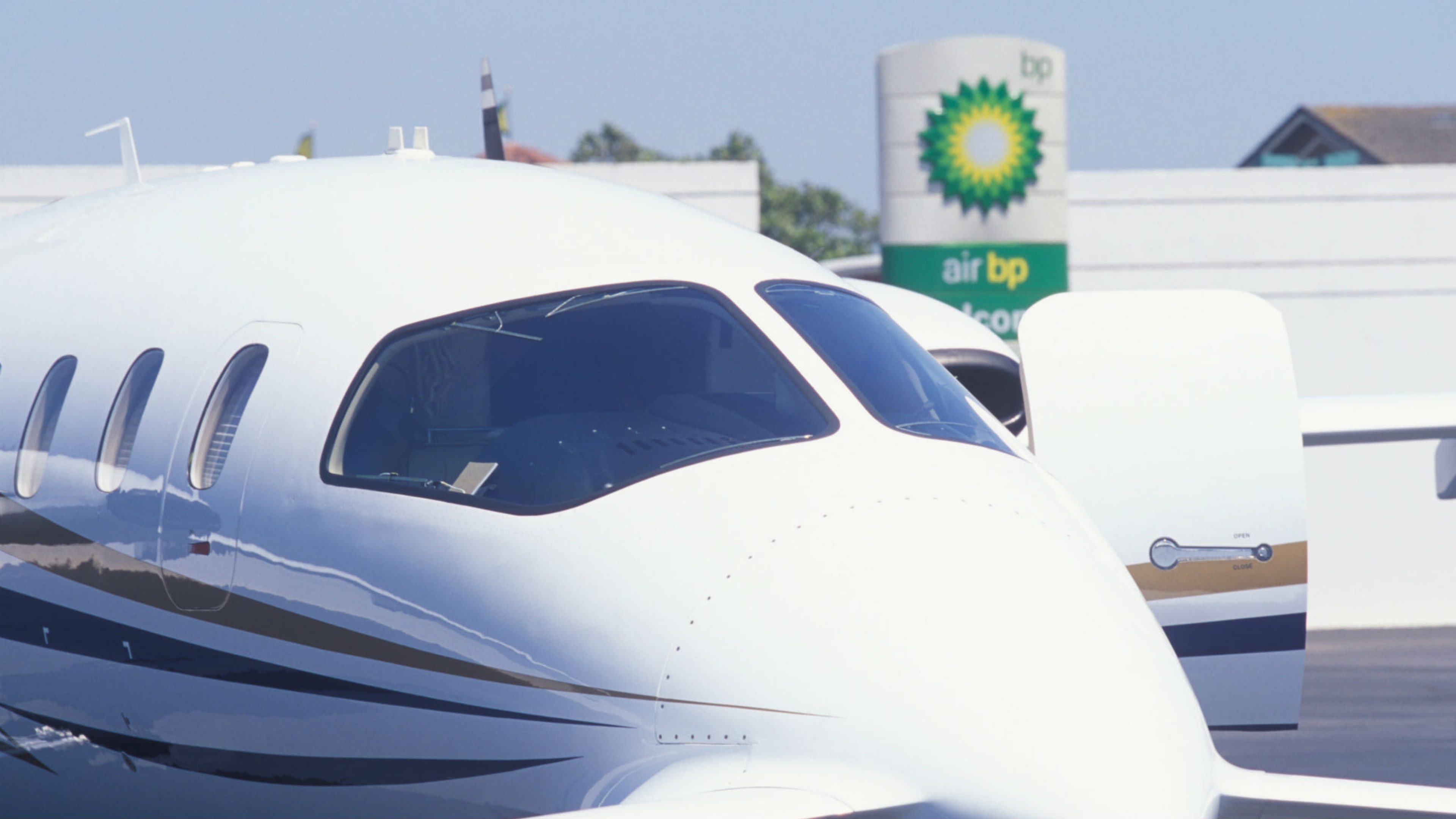 Signature Flight Support >> Air Bp Signs New Agreement With Signature Flight Support News And