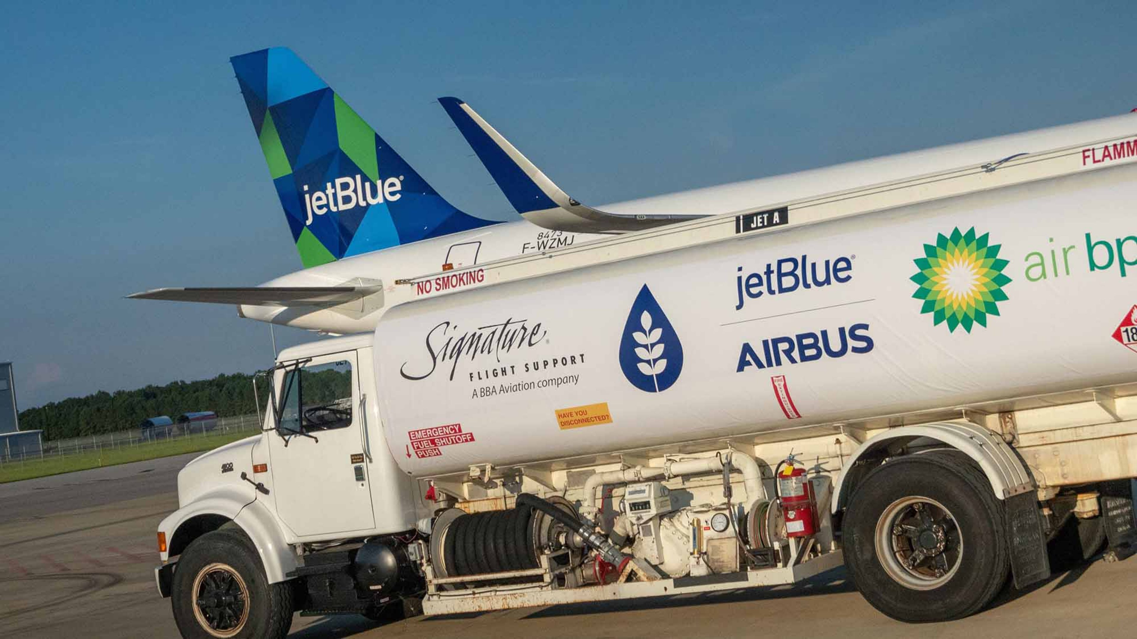 Airbus 1st US biofuel fueling and flight