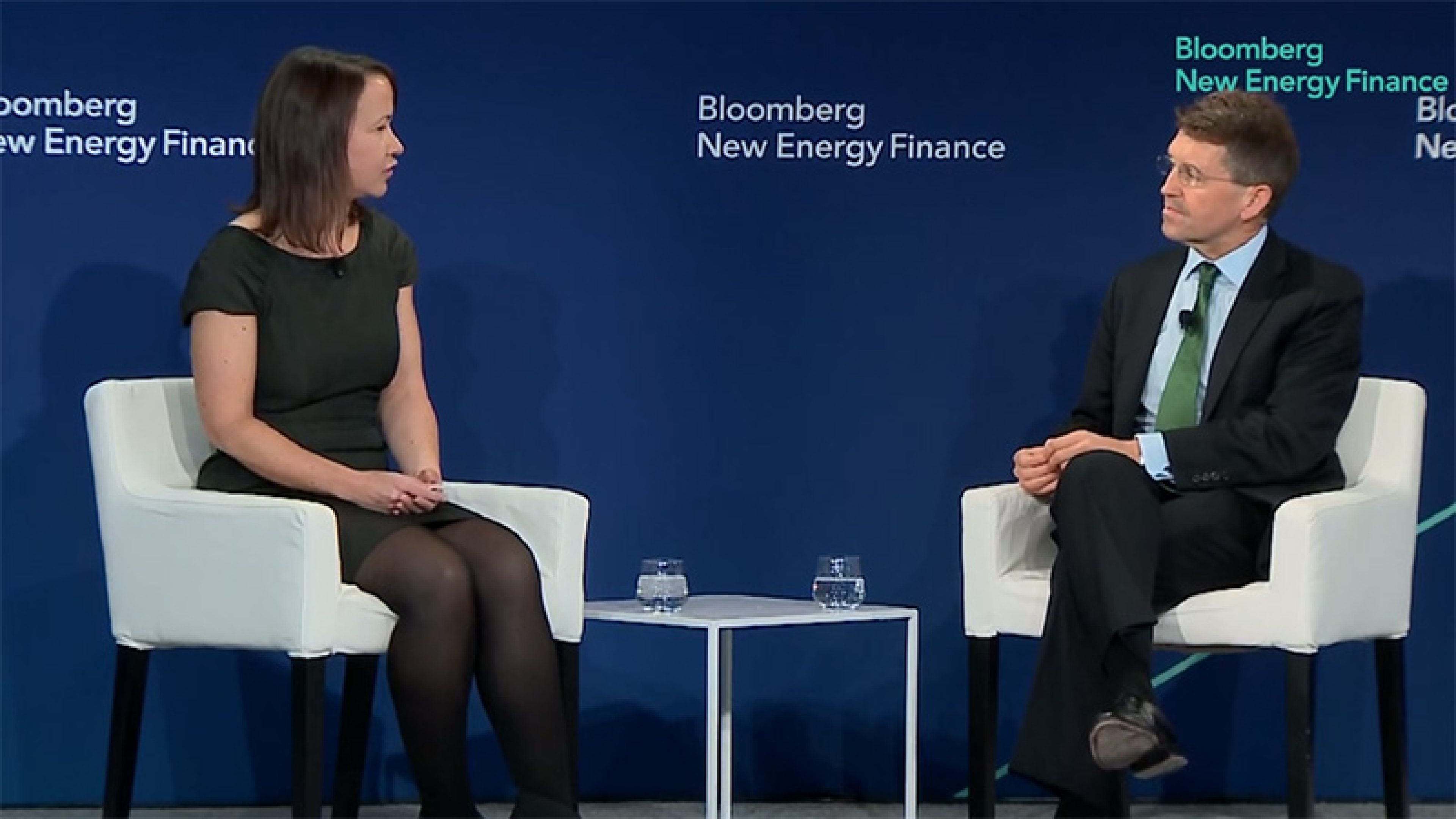Tina Davis of Bloomberg with BP chief financial officer Brian Gilvary