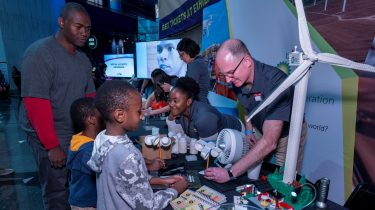 BP sponsors a Chicago STEM event ─ Science Works